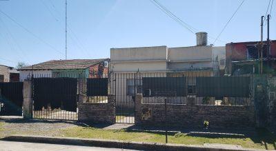 Pringles 480 e/Berisso y Baradero - TRONCOS DE TALAR